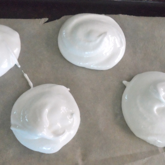 meringue mounds
