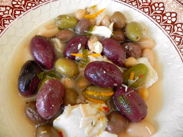 cod with olives and beans