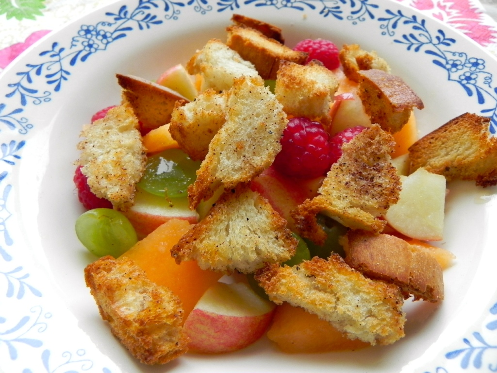 crouton fruit salad