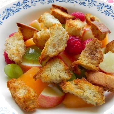 crouton fruit salad