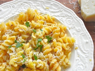 pasta with breadcrumbs (+)