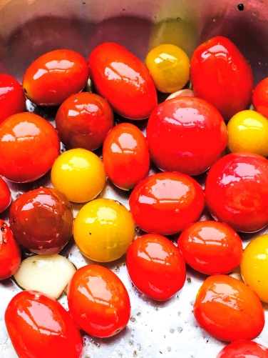 mixed colours of cherry tomatoes