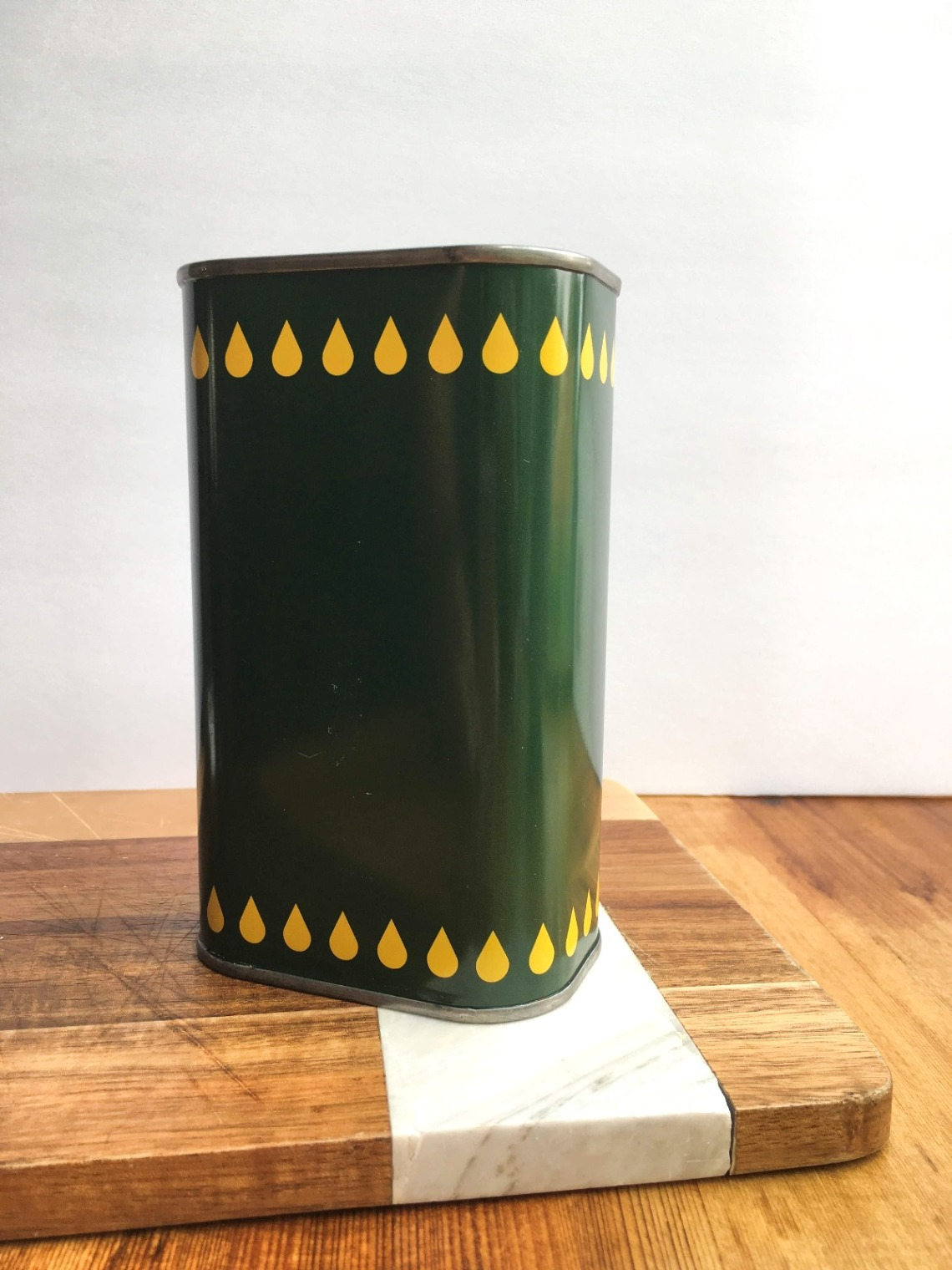green olive oil tin