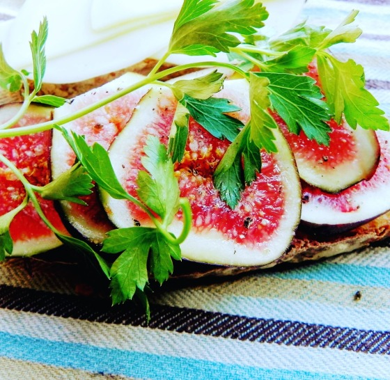 parsley and fig on bread