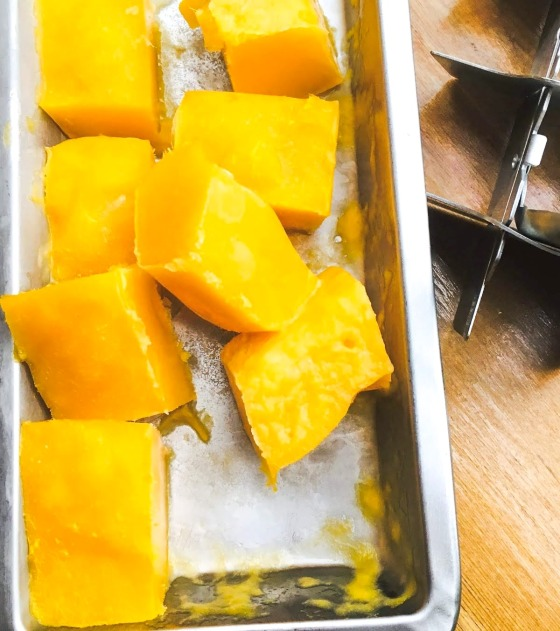 pureed frozen mango pieces